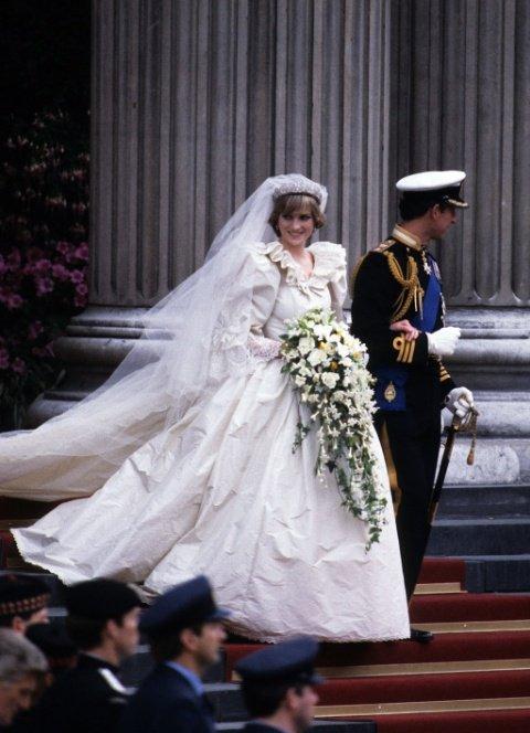 بالصور فساتين زفاف 1999 , فستان للبيع والايجار 377 7