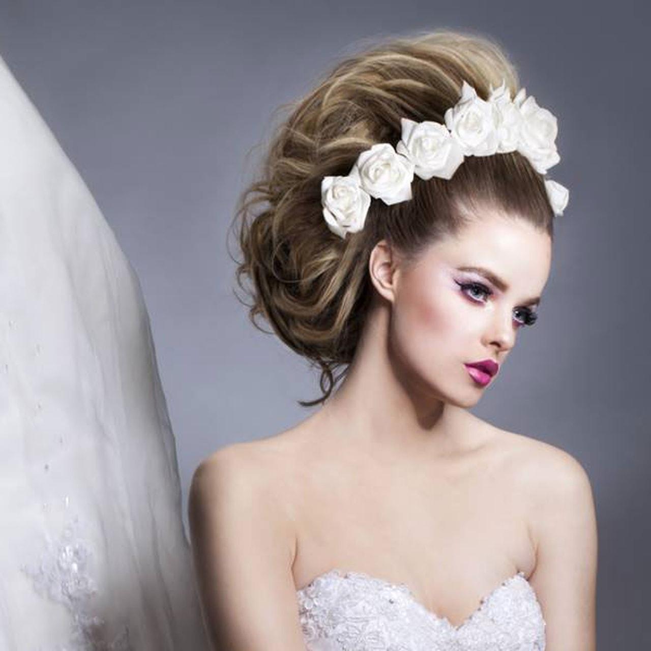 بالصور صور تسريحات عرايس مع تاج صور تاج للعروسة , احدث صيحات الشعر ليوم الزفاف 68 1