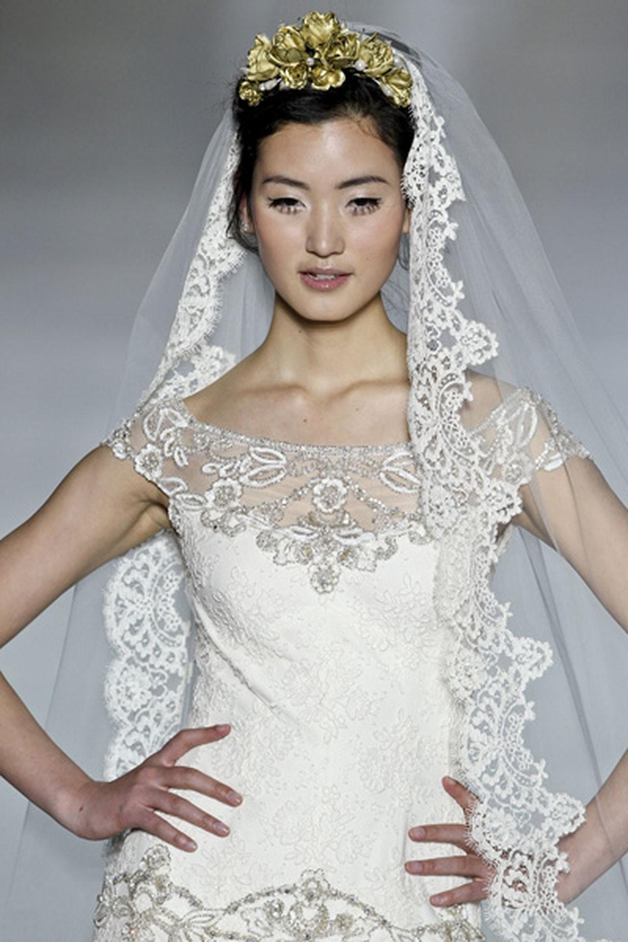 بالصور صور تسريحات عرايس مع تاج صور تاج للعروسة , احدث صيحات الشعر ليوم الزفاف 68 3