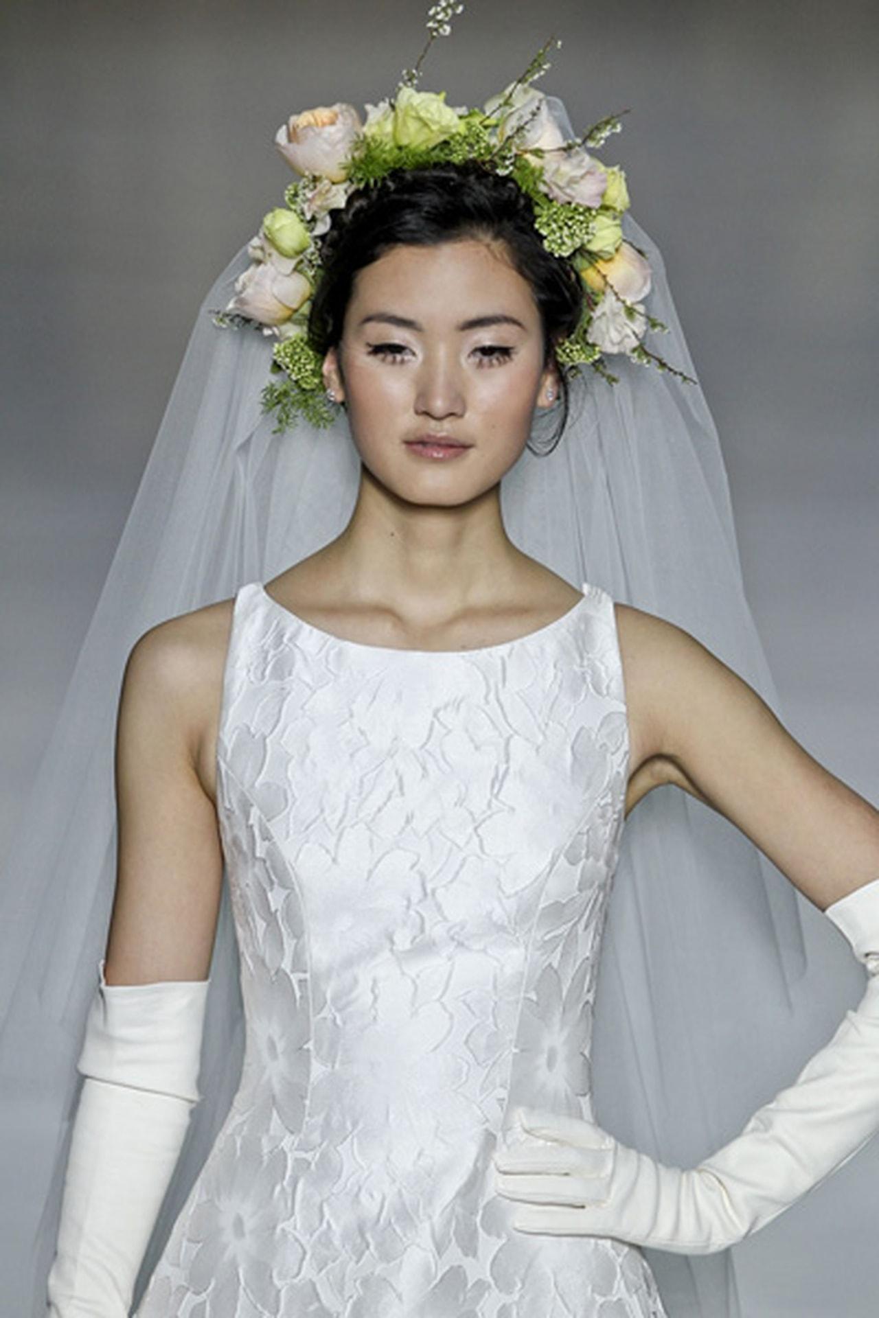 بالصور صور تسريحات عرايس مع تاج صور تاج للعروسة , احدث صيحات الشعر ليوم الزفاف 68 4