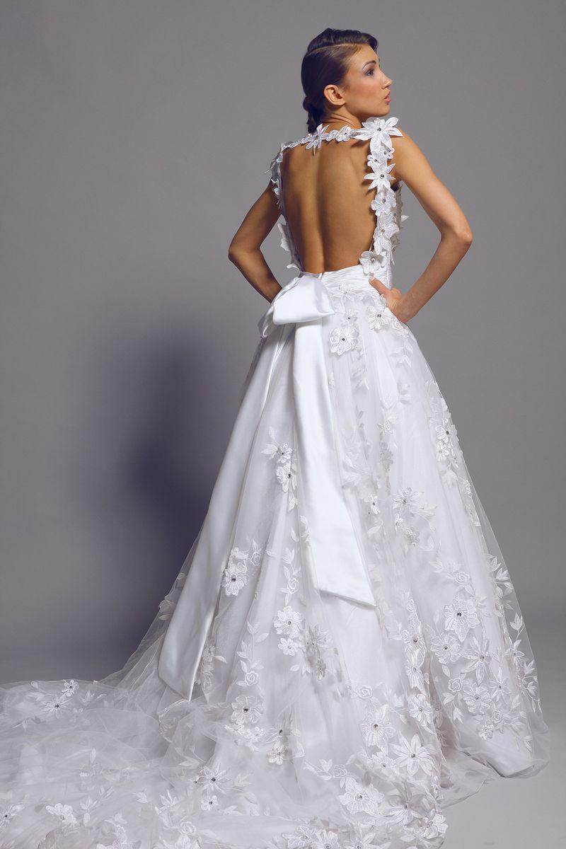 بالصور اروع فساتين زفاف لتكونى اميره ف فرحك , ابرز تصميمات للفرح 748 5