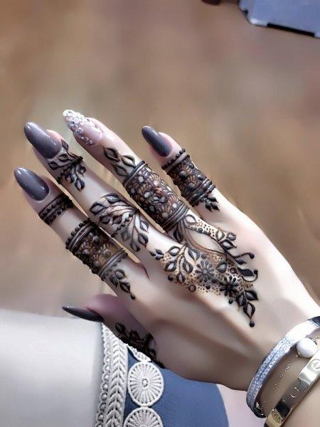 صور نقش خليجي ناعم , لكل عروسة يدك تحفة فنية مميزة