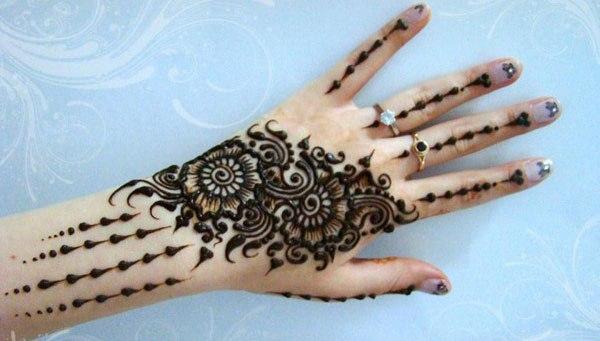 بالصور نقش خليجي ناعم , لكل عروسة يدك تحفة فنية مميزة 2484 8