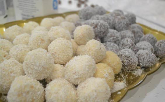 صوره كرات جوز الهند , طريقة جديدة لتحضير حلويات