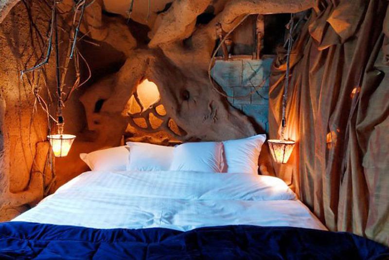 بالصور غرف نوم غريبة , موديلات لاوض النوم عجيبة 2504 2
