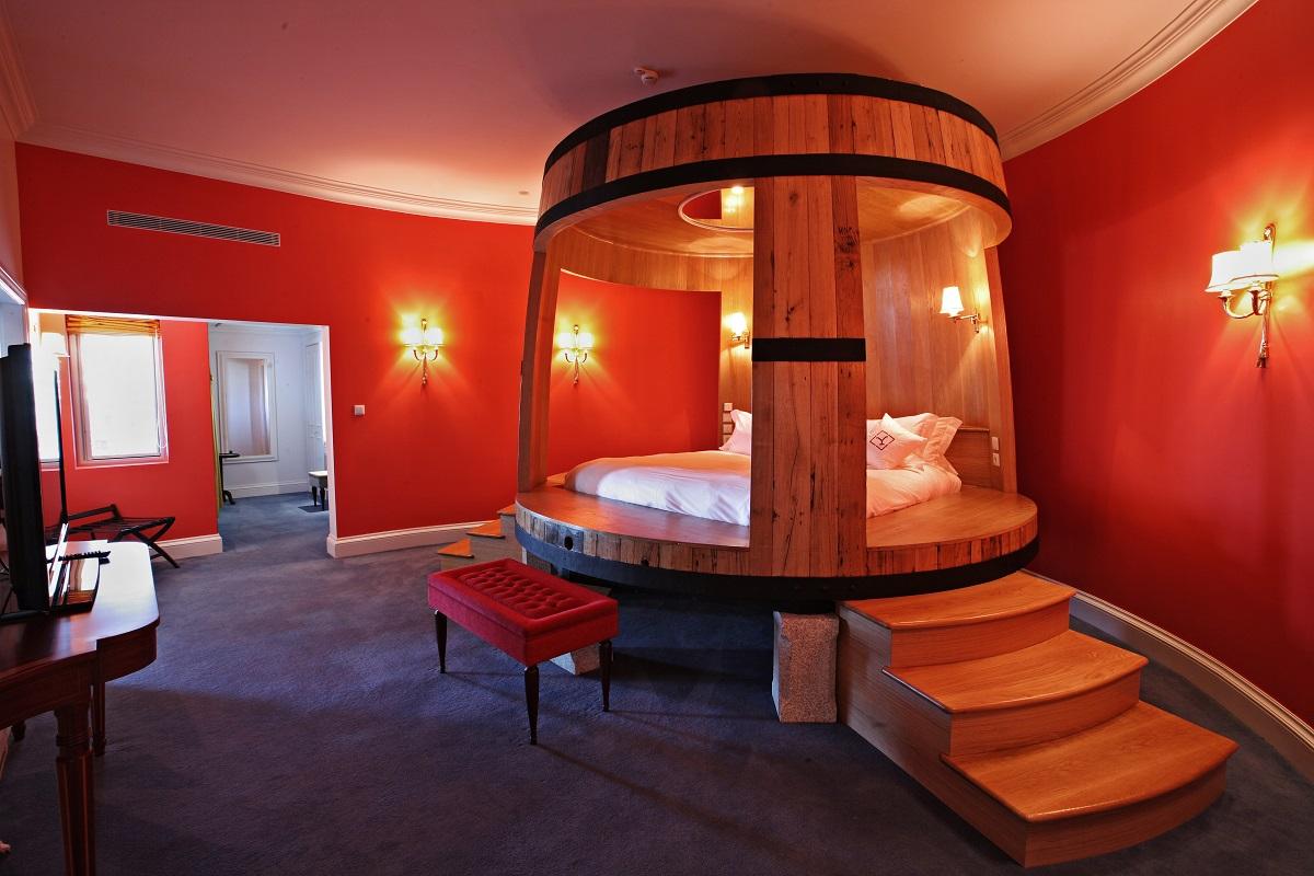 بالصور غرف نوم غريبة , موديلات لاوض النوم عجيبة 2504 4