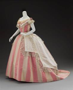بالصور فساتين فرنسيه قديمه , ازياء وموديلات فستان رقيق 1094 1