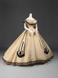 بالصور فساتين فرنسيه قديمه , ازياء وموديلات فستان رقيق 1094 3