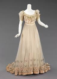 بالصور فساتين فرنسيه قديمه , ازياء وموديلات فستان رقيق 1094 4