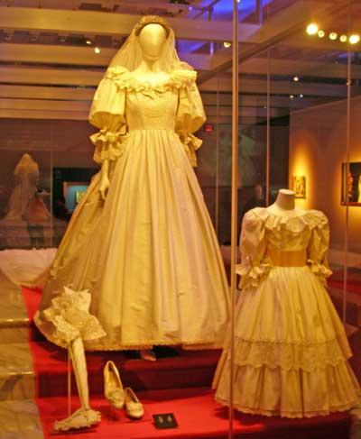 بالصور فساتين فرنسيه قديمه , ازياء وموديلات فستان رقيق 1094 8