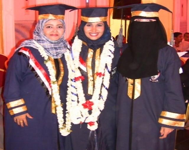 بالصور فساتين تخرج للمحجبات , بدلة للتخرج من الجامعة للبنات