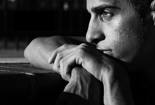 بالصور صور رجل حزين , لقطات لرجل حزين 1768 2