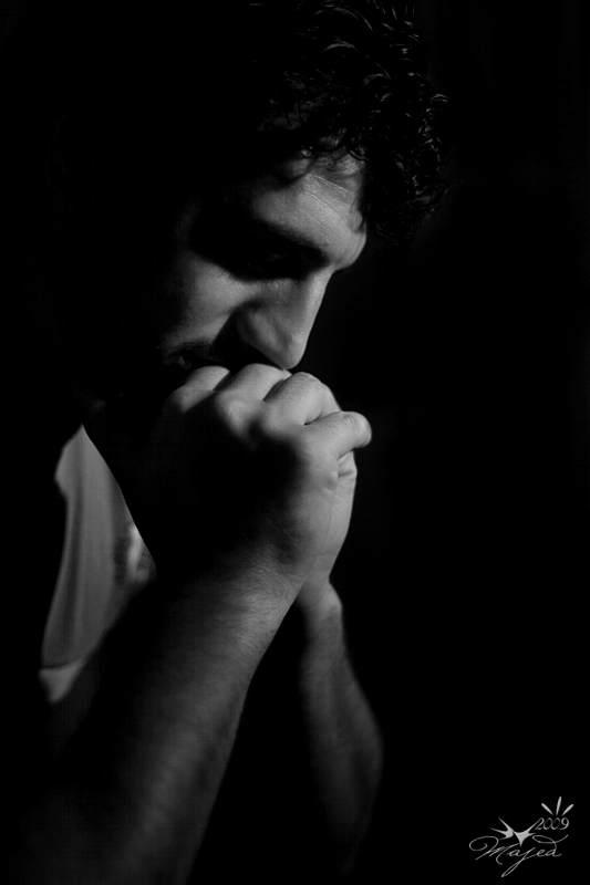 بالصور صور رجل حزين , لقطات لرجل حزين 1768 4