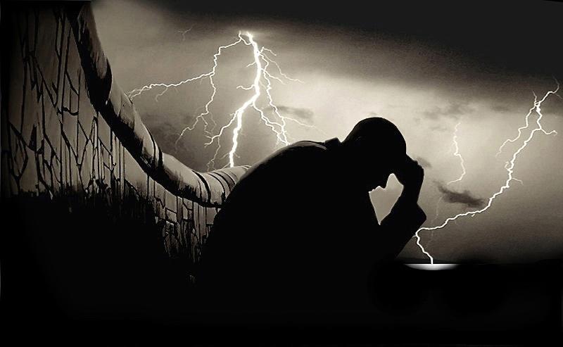 بالصور صور رجل حزين , لقطات لرجل حزين 1768 6