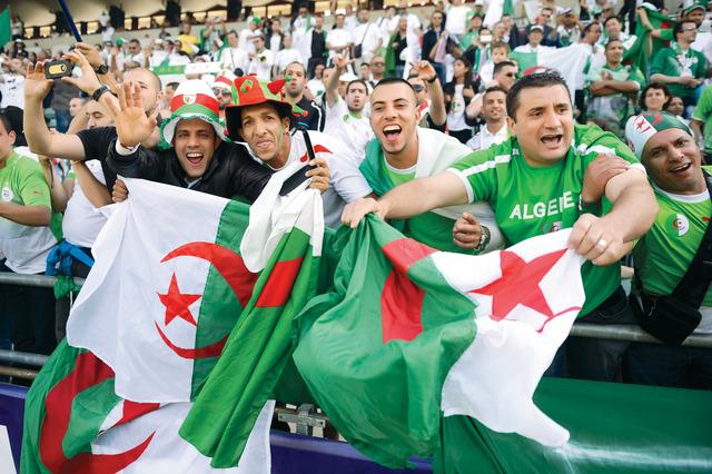 بالصور صور المنتخب الوطني الجزائري , منتخب بلد المليون شهيد 1827 6