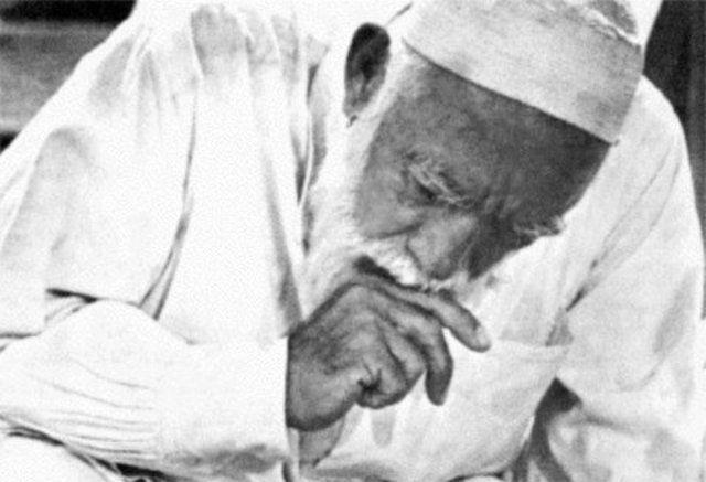 بالصور صور عمر المختار , شيخ المجاهدين 1901 2
