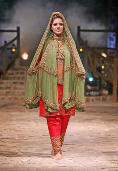 بالصور احدث ستايلات ازياء عمانية تقليدية ازياء عمانية قديمة , ملابس التراث للنساء 3070 1