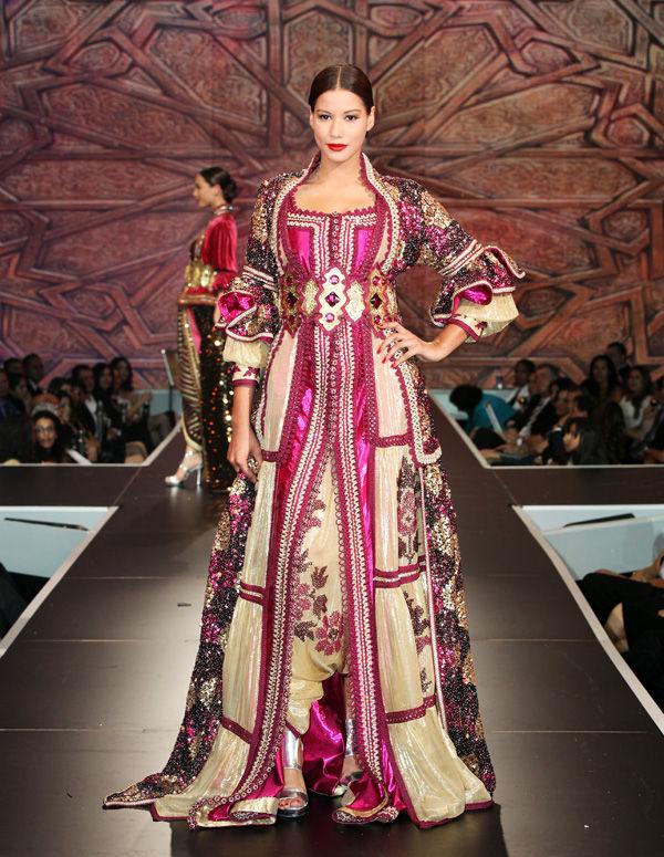 بالصور احدث ستايلات ازياء عمانية تقليدية ازياء عمانية قديمة , ملابس التراث للنساء 3070 7