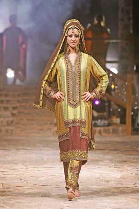 بالصور احدث ستايلات ازياء عمانية تقليدية ازياء عمانية قديمة , ملابس التراث للنساء 3070