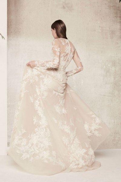 بالصور احدث فساتين الزفاف 2019 , اجمل فساتين زفاف 3226