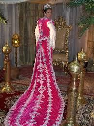 ملابس عرائس جزائرية 2020 , فساتين تقليديه جزائريه