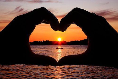 بالصور صور رومانسية صور حب خلفيات رومانسية وحب , بوستات للعشاق مميزة 4042 3