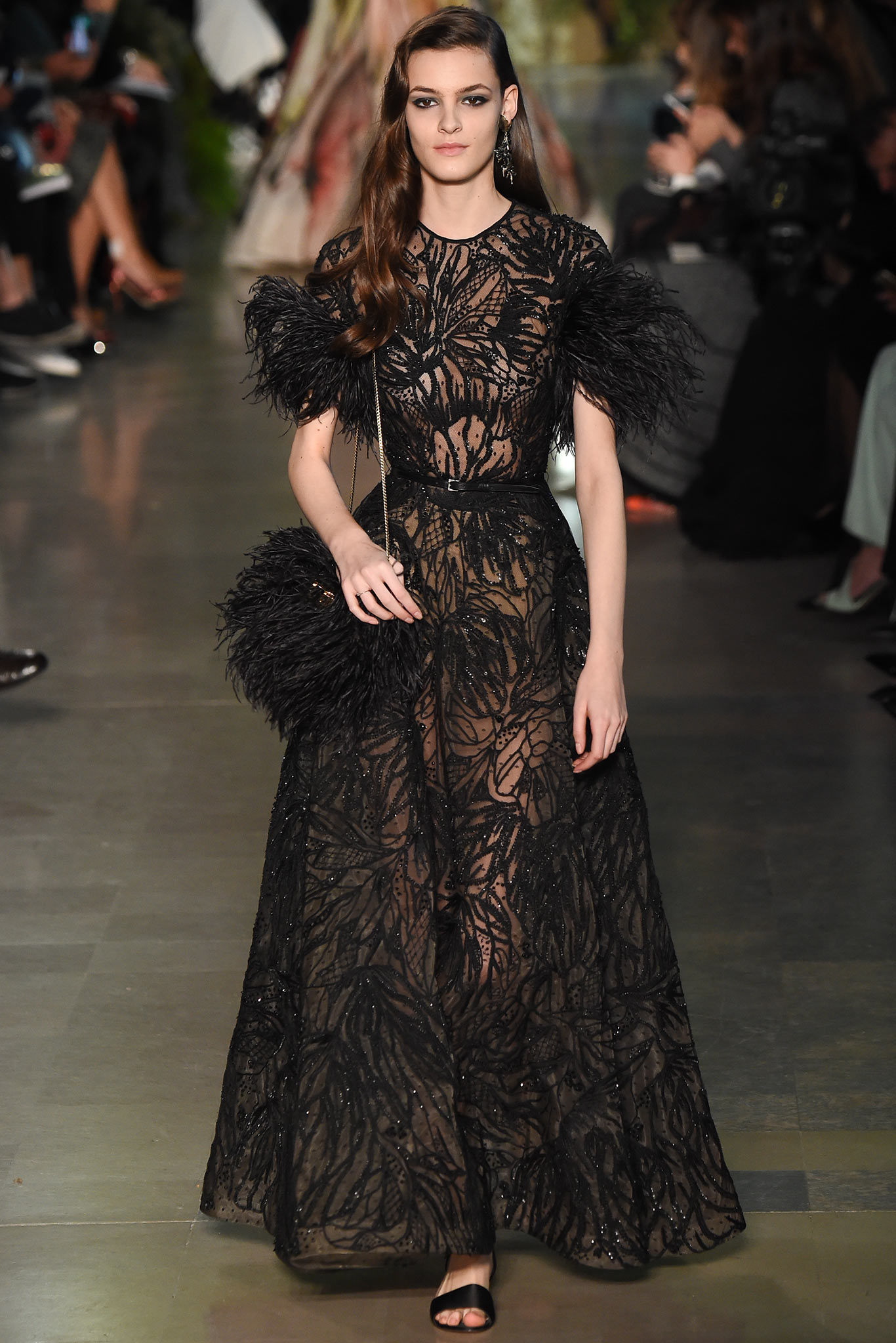 بالصور فساتين ايلي صعب , اجمل تصاميم الفساتين 957 2