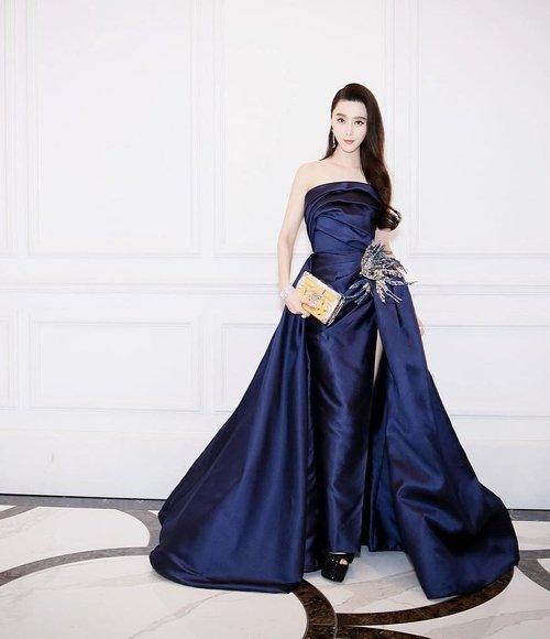 بالصور فساتين ايلي صعب , اجمل تصاميم الفساتين 957 9