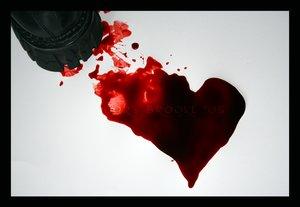 بالصور صور للتصاميم صور قلوب تنزف صور دم وقلوب مجروحه للتصاميم unnamed file 2009
