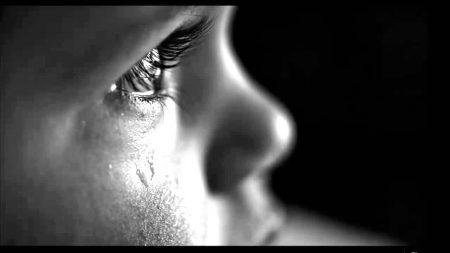 بالصور صور عيون حزينة صور دموع العيون اجمل صور عيون كيوت , احدث صورة حزينه للعين unnamed file 603