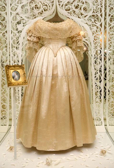 بالصور فساتين رومانيه , اروع فستان رومانيه 1074