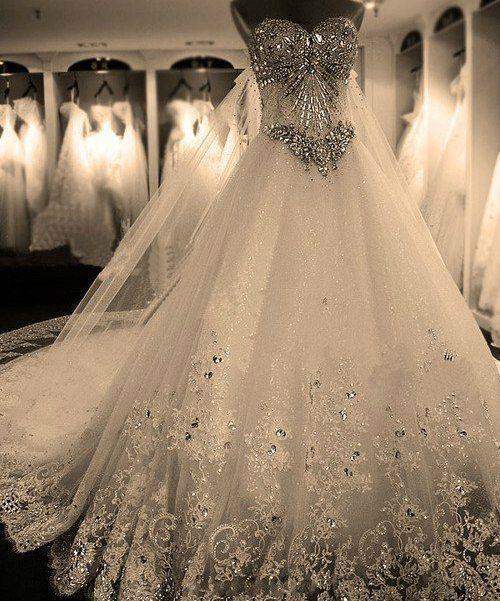 صورة احدث موديلات فساتين الزفاف , ازياء فساتين اعراس 1098 16