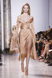 بالصور عرض فساتين , اروع فستان بالعالم 1172 7