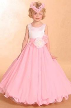 بالصور فساتين اطفال طويله , احدث فستان طويل للااطفال 1222 1