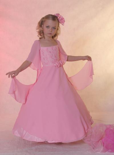 بالصور فساتين اطفال طويله , احدث فستان طويل للااطفال 1222 2