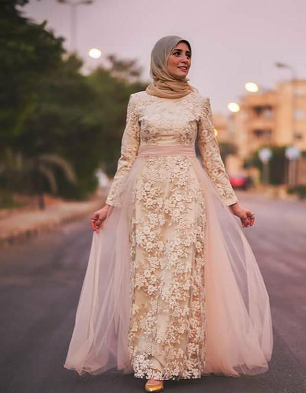 بالصور فساتين هاديه , تشكيلة من الفساتين الرقيقة للمحجبات 1250