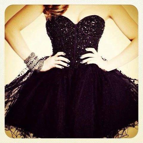 صور موديلات فساتين قصيرة , فستان جميل جدا