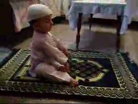 بالصور صورة طفل يصلي , من اجمل صور الاطفال 1767 5