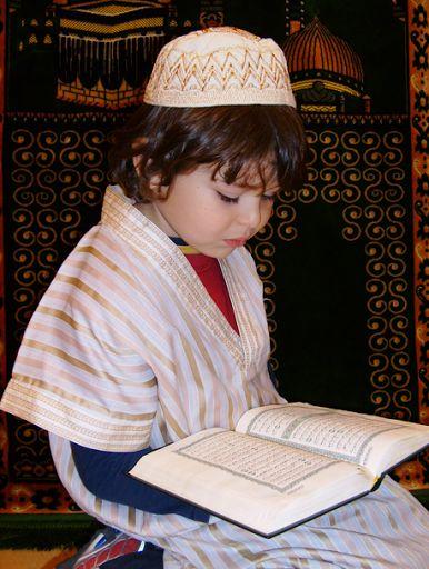 بالصور صورة طفل يصلي , من اجمل صور الاطفال 1767 9
