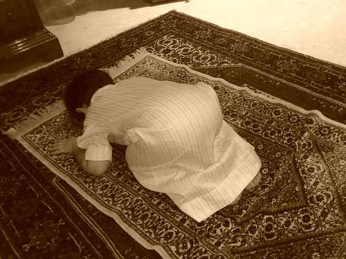 بالصور صورة طفل يصلي , من اجمل صور الاطفال 1767