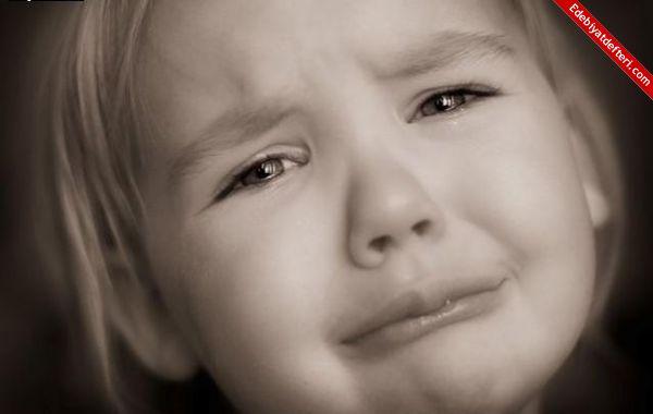 بالصور صور اطفال حزينه , صورة طفل بيعيط 1899 5