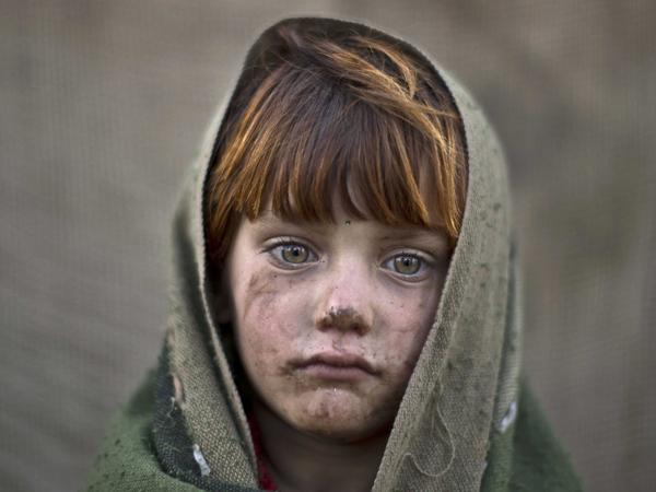 بالصور صور اطفال حزينه , صورة طفل بيعيط 1899