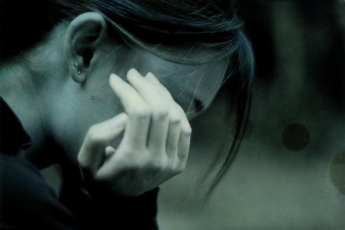 بالصور امراة حزينة , عبارات تدمع لها العين 2691 1