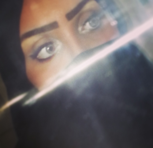 بالصور صور عيون بنات سعوديات صور عيون بنات سعوديات خفق صور بنات سعوديات .خلفيات لعين جريئة 4360
