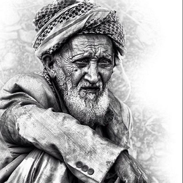 بالصور صورة شايب ابيض واسود , خلفيات لرجل عجوز روعه 4371 2