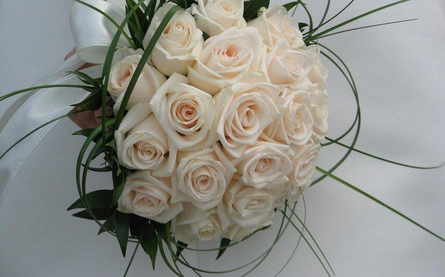 بالصور صور اجمل باقات الورد الابيض باقات ورد جوري ابيض , ورود لاصحاب القلب الابيض 4481 2