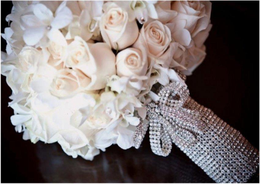 بالصور صور اجمل باقات الورد الابيض باقات ورد جوري ابيض , ورود لاصحاب القلب الابيض 4481 5