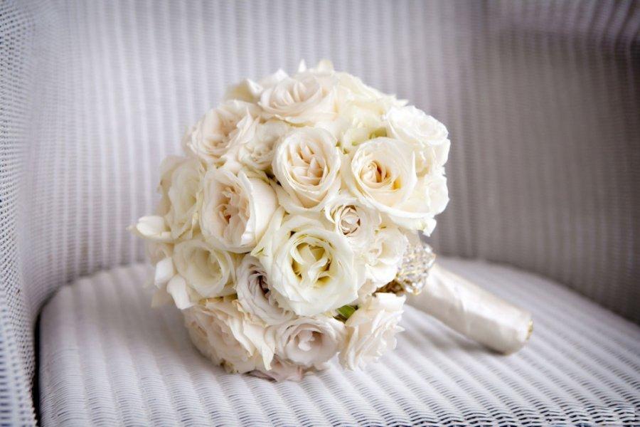 بالصور صور اجمل باقات الورد الابيض باقات ورد جوري ابيض , ورود لاصحاب القلب الابيض 4481 7