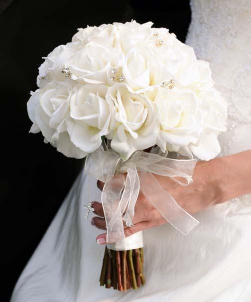 بالصور صور اجمل باقات الورد الابيض باقات ورد جوري ابيض , ورود لاصحاب القلب الابيض 4481 8