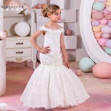 بالصور فساتين زفاف دانتيل , فستان مميز سهره 879 7